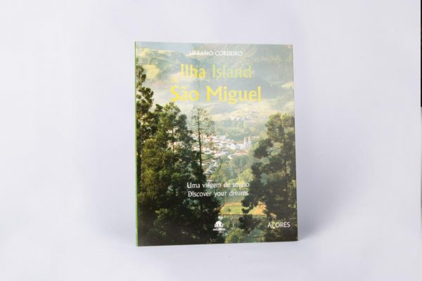 Documented and Ilustrated São Miguels Island Book