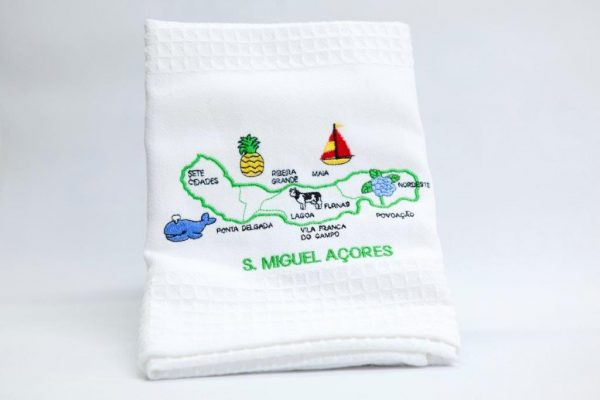 Extra cloth with sewed São Miguel's island