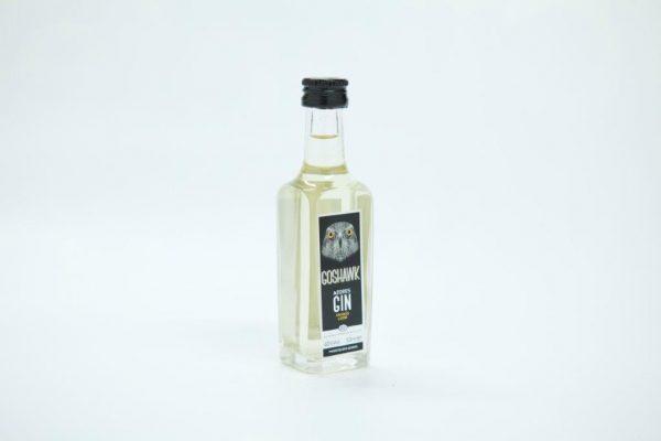 Mini bottle of 50ml of pineapple gin